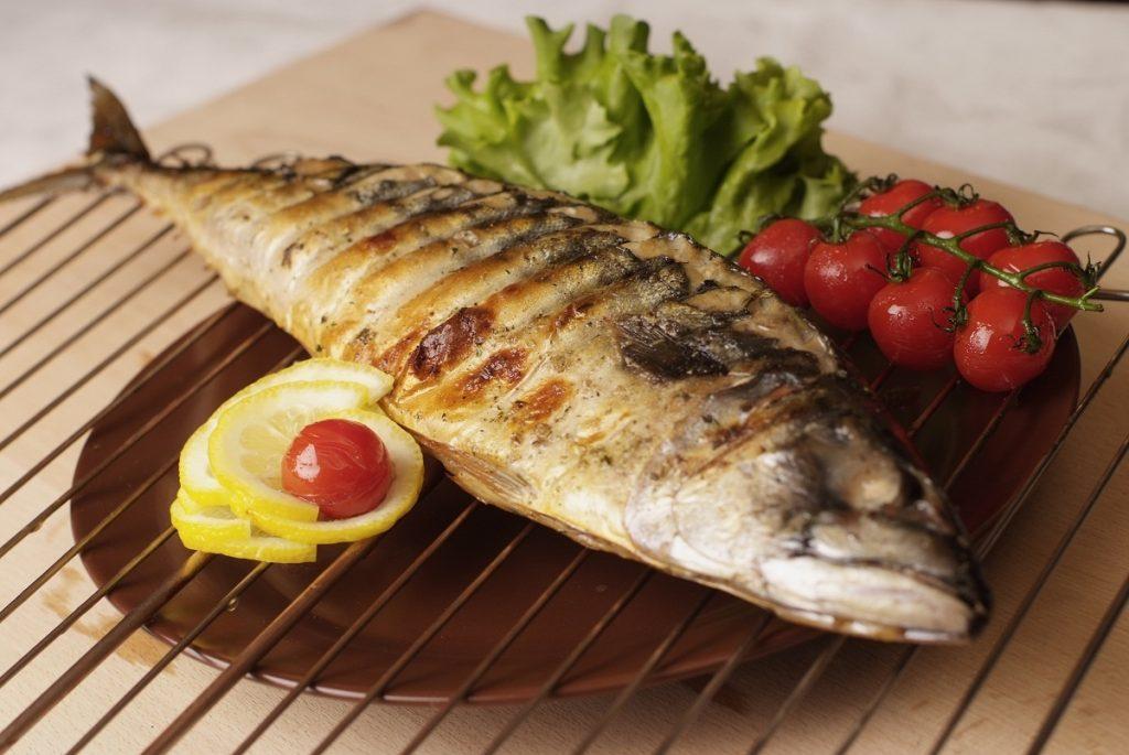 Dāvana makšķerniekam – zivis uz grila