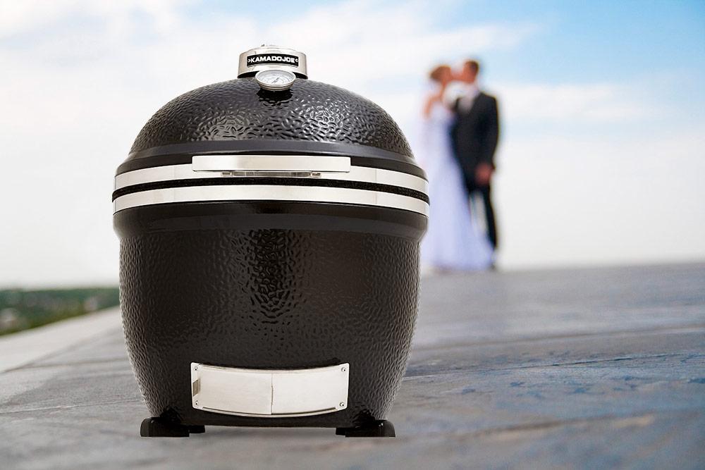 """""""Kamado Joe"""" – oriģināla kāzu dāvana ar mūža garantiju"""