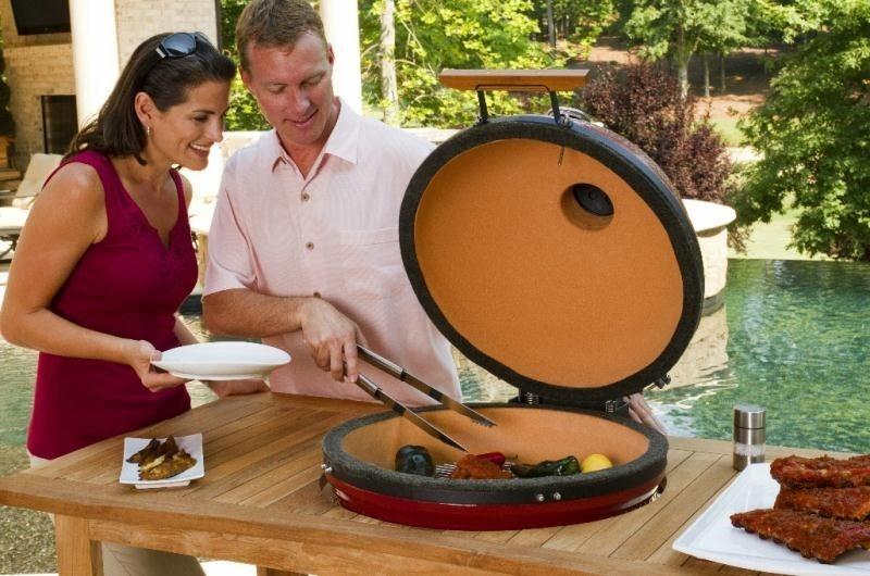 В угольной керамической гриль можно готовить разные продукты